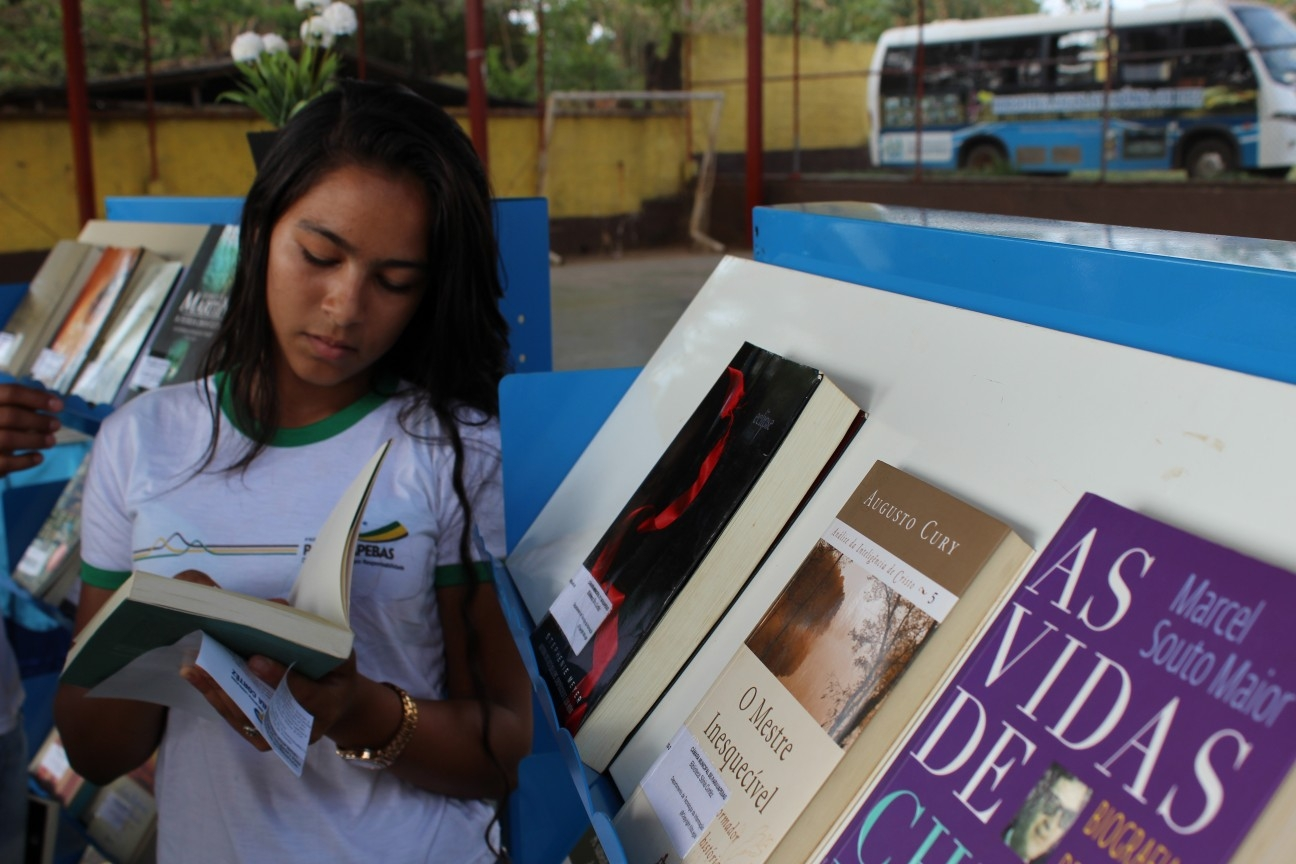 IEscola Municipal Olga da Silva recebe Biblioteca Itinerante
